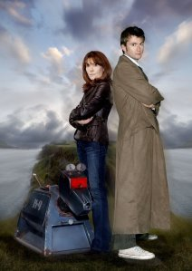 Picture from Pinterest: ELISABETH SLADEN as Sarah Jane Smith, DAVID TENNANT as The Doctor.