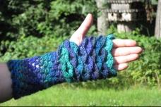 Fingerless Dragon Gloves